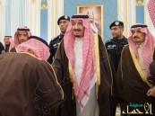 بالصور.. #الملك_سلمان يستقبل أصحاب السمو الأمراء والمفتي وأصحاب الفضيلة العلماء