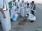 """فريق وطن التطوعي ينفذ حملة """"إماطة الأذى عن الطريق"""""""