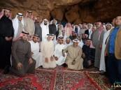 """بالصور.. أمين #الأحساء والمجلس البلدي يتفقدون جبل """"القارة"""" استعداداً لطرحه سياحياً"""
