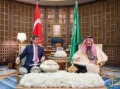 خادم الحرمين يعقد جلسة مباحثات مع رئيس الوزراء التركي
