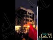 بالفيديو.. هذا ما فعلته همجية الإيرانيين بمبنى سفارة المملكة في #طهران