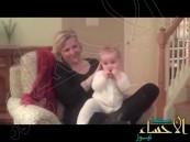 لكل أم .. بالفيديو : وصفة سحرية لتنويم الطفل الرضيع في دقيقة !!