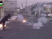 بالفيديو.. فلسطيني يستعرض مهاراته الكروية بقنبلة غاز !!