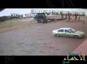 شاهد.. لحظة تصادم سيارة بحافلة معلمات بمحافظة القنفذة