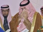 بالصورة.. الدموع تغالب تركي بن عبدالله لحظة سماعه وصايا الملك عبدالله