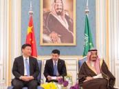 بالصور.. الملك سلمان يستقبل رئيس جمهورية الصين الشعبية بالرياض