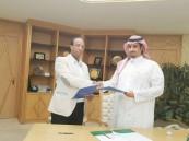 بالصور… اللجنة السعودية لسباقات الهجن توقع عقد إنشاء موقعها الإلكتروني