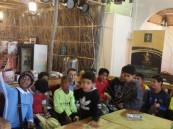"""طﻻب ابتدائية مالك بن أنس بالهفوف يزورون معرض """"ويا التمر أحلى"""""""