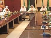 بالصور .. أعضاء المجلس البلدي يبحثون سبل التطوير مع أمين #الأحساء