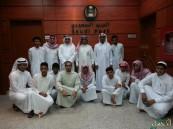 """طلاب ثانوية """"أسعد بن زُرارة"""" يُسجلون إعجابهم بالبريد السعودي"""