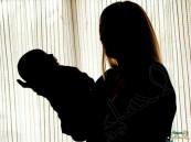 القبض على امرأة حاولت بيع طفلها الرضيع بأبوظبي