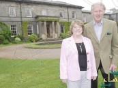 مليونير بريطاني يتبرع بكل ثروته لعلاج زوجته.. والأخيرة تفاجئه بتركه لفقره !