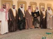"""بالصور.. الأمير """"بدر بن جلوي"""" يشيد بلجنة التنمية الاجتماعية بالسلمانية"""
