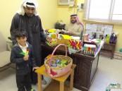 """""""المقداد بن عمرو"""" الابتدائية تسجل المستجدين بالألعاب والحلويات"""
