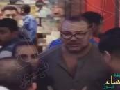 بالفيديو.. ملك المغرب يفاجئ المتسوقين داخل مركز تجاري في البحرين