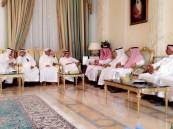 """بالصور.. سمو الأمير عبدالعزيز بن جلوي يُعزي أسرة """"الحماد"""""""