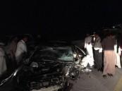 """بالصور.. حادث أليم يحول سيارتين لكومة حديد ويُصيب 4 في """"عمران"""" #الأحساء"""