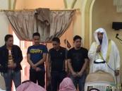 بالصور … #الأحساء تزف ٤ فلبينيين إلى الإسلام في جامع النجار