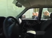 """شاهد.. """"مقبض سيارة"""" يُفسد فرحة بوتين باستعراض العتاد العسكري الروسي !"""