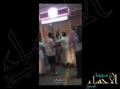 شاهد.. حارس #الهلال يعتدي على مواطن بأحد شوارع الرياض