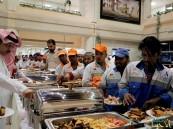 """بالصور.. المجلس البلدي يقيم مأدبة إفطار لأكثر من 100عامل في """"أمانة الأحساء"""""""