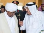 بالصور.. #الملك_سلمان يستقبل الرئيس السوداني في بمقر إقامته بطنجة