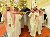 بالصور.. أمير الرياض يؤدي صلاة الميت على الأميرة نورة بنت مساعد بن عبد الرحمن