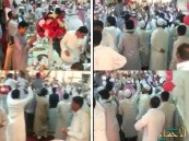 """بالفيديو.. """"شيلات"""" ورقص داخل """"جامع"""" في #جدة .. والمبرّر: حفل العيد!"""
