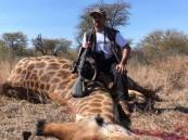 بالفيديو والصور.. مواطن يكشف تفاصيل اصطياده زرافة ونحرها بجنوب أفريقيا