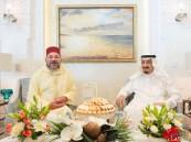 بالصور.. خادم الحرمين #الملك_سلمان يستقبل ملك المغرب