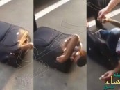 شاهد.. لحظة القبض على مهاجر إريتري مختبئًا داخل حقيبة على متن قطار !