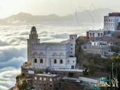 صور مذهلة لقرية يمنية تجاوز ارتفاع منازلها ناطحات السحاب