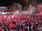 بالصور.. من هو رجل الأعمال السعودي الذي شارك الأتراك تظاهرهم ضد الانقلاب ؟!