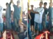 بالفيديو – جنازة.. في حافلة نقل عام!