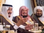 خادم الحرمين يستقبل أصحاب السمو الأمراء والفضيلة والمعالي وجموعاً من المواطنين