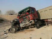 """بالصور … لا جديد يامسؤولين حادث كارثي في طريق العقير و """"الوفاة"""" تحضر"""