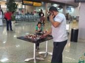 بالصور.. مطار #الأحساء يستقبل المسافرين بالتهاني والحلويات