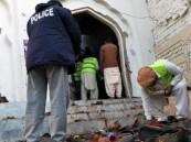 عشرات القتلى في هجوم انتحاري داخل مسجد شمال غرب باكستان