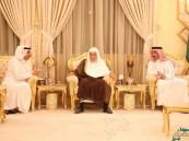 بالصور .. الأمير عبدالعزيز بن جلوي يستأنف جلسته الإسبوعية