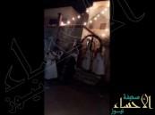 """بالفيديو .. مطلق النار على """"عقال العريس"""" في قبضة الشرطة"""