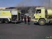 بالفيديو والصور.. حريق هائل بالقرب من الدوائر الحكومية في #الأحساء وأعمدة الدخان تتصاعد!