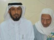 بالصور.. سعودي بحث عن معلمه المصري طيلة 41 عاماً وهذه كانت النهاية!!