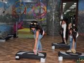 """بالصور.. يوم رياضي """"وردي"""" للمركز """"الدولي للتأهيل والعلاج الطبيعي"""" بالتعاون مع زهرة لسرطان الثدي"""