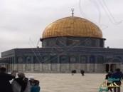 """بالفيديو.. """"خليجي"""" يوثق زيارته مع رفقائه للمسجد الأقصى ويجدد الجدل!!"""