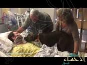 بالفيديو.. لحظة وداع مؤثرة بين كلب وصاحبه الذي يحتضر