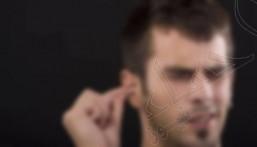 احذر.. 5 طرق تقليدية لتنظيف الأذن تسبب ضرراً كاملاً