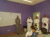 """فريق تحكيم مؤشرات الأداء المدرسي في زيارة لابتدائية """"حي الملك فهد"""""""