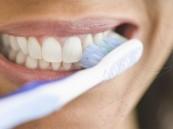 استعمال فرشاة أسنانك أكثر من مرة قد يصيبك بالأمراض.. إليك طرق الوقاية