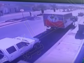 شاهد …حادث مروّع لشخص يطير في الهواء بعد أن صدمته سيارة مسرعة!