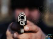 بالصور.. احتراق آلية تابعة لشركة مقاولات بعد إطلاق النار عليها في العوامية